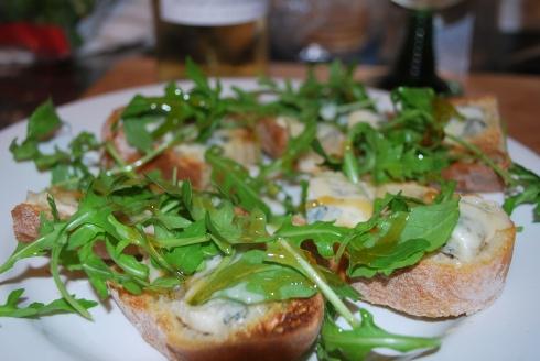 Gorgonzola Bruschette (1)