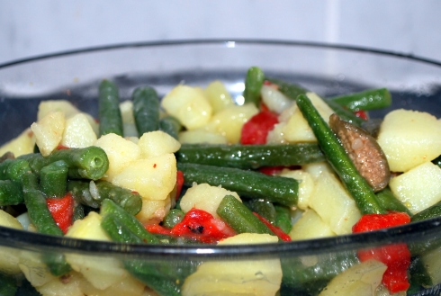 Potato, bean & caper salad (4)